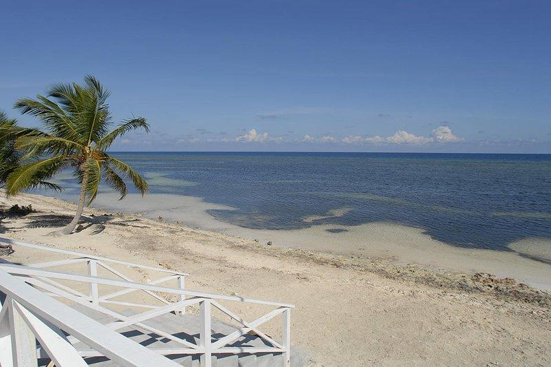 Beach area behind the villa.