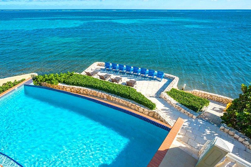 Bienvenue au Cayman Castle & Guesthouse! Profitez de ces vues tous les jours pendant vos vacances à Grand Cayman.