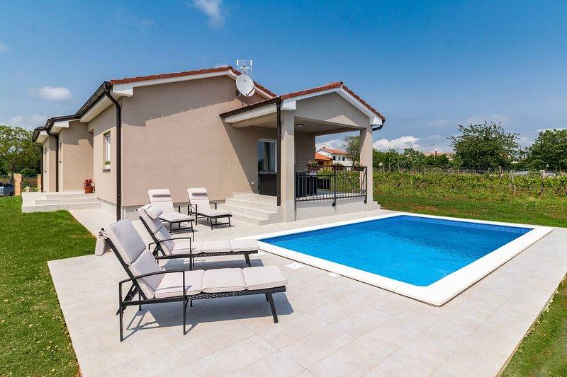 Villa Leoni, holiday rental in Grabri