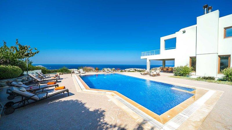 Elegance Seaview Villa, Agia Pelagia Heraklion, vacation rental in Agia Pelagia