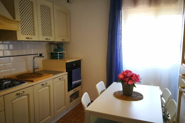 Spacious house near the beach, holiday rental in Sennariolo