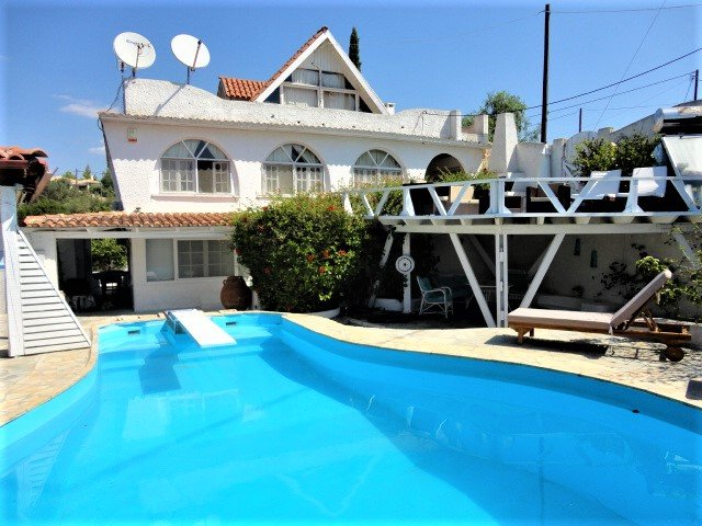 VILLA WITH POOL 200M FROM THE BEACH TWO SEPARATE LEVELS, holiday rental in Kosta