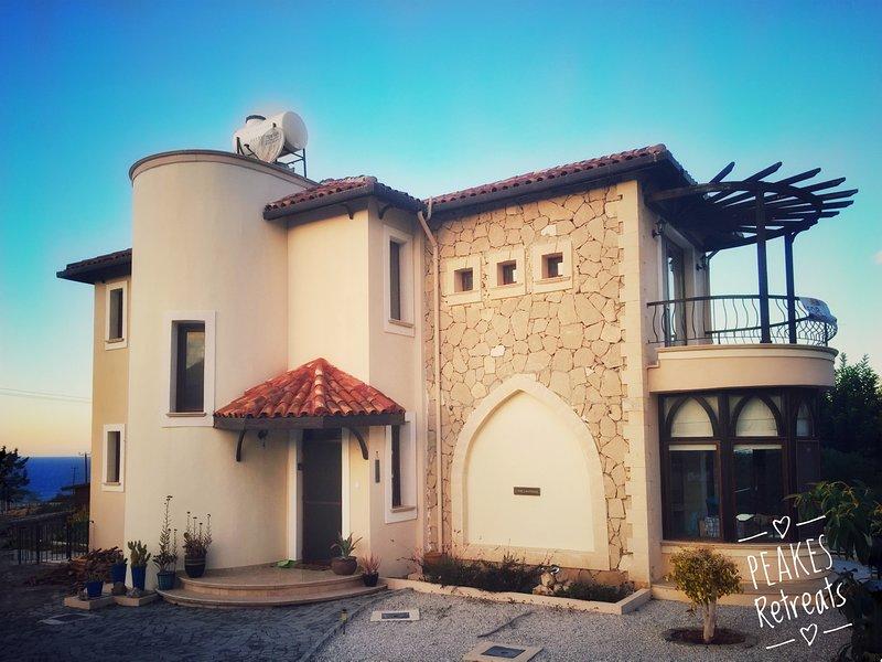 No1 The Lanterns, Peake's Retreats, holiday rental in Bahceli