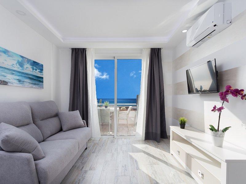 511.Sun apartment, terrace ocean view,heated pool, holiday rental in La Caldera