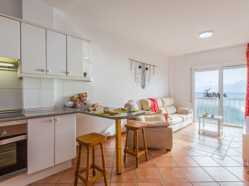 1B.WONDERFUL SEA VIEW PLAYA DE LAS VISTAS, holiday rental in Los Cristianos