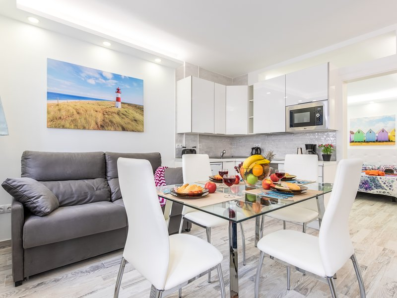 C104B.Brand new apartment, elegant, pool!, holiday rental in La Caldera
