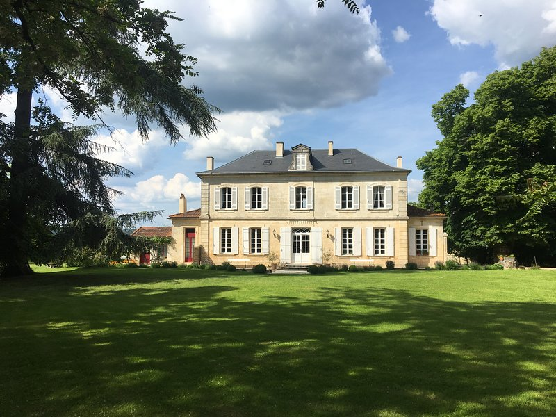Villa Magnieu is a 17th century manor house in over 3 acres of mature gardens.