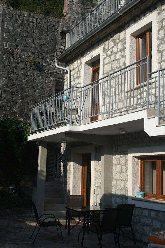 Stone House - Apartment Miho