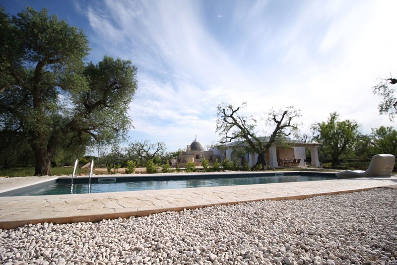Trullo Sunrise with private pool, holiday rental in San Vito dei Normanni