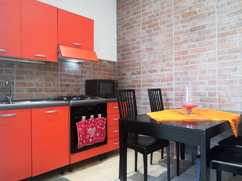 IPA2803 House San Salvario Next Station, holiday rental in Cavoretto