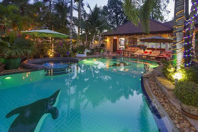 Relaxing Palm Pool Villa near Bang Lamung, Pattaya - countryside location, holiday rental in Bangsaen