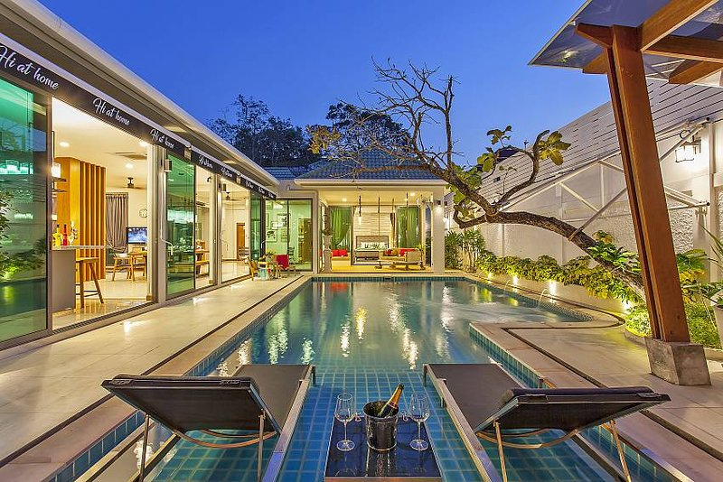 A seriously special 4 Bedroom Villa in East Pattaya with Private Pool for rent, aluguéis de temporada em Nong Prue