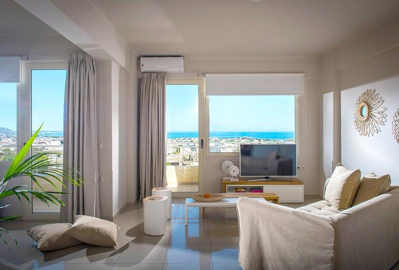 Family Suite Sunset Sea View Notos Heights Hotel, Ferienwohnung in Plati