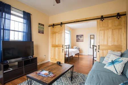 Darling Three Bedroom in Musicians Village, vacation rental in Chalmette