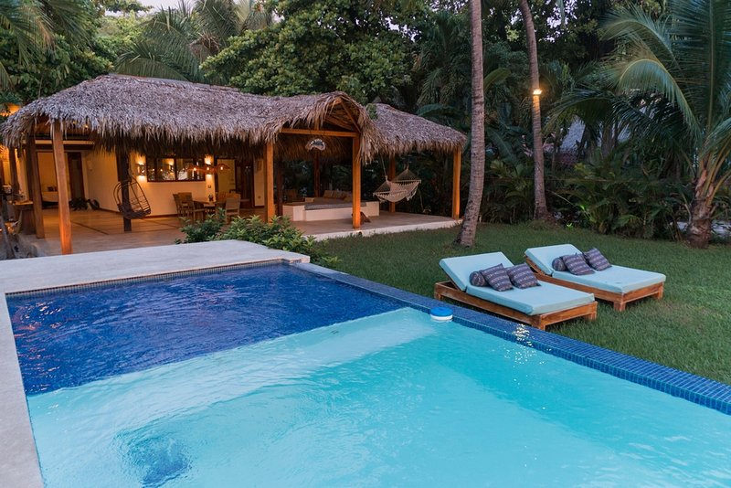 The Beach House,3 suites beachfront villa touching paradise, holiday rental in Santa Teresa