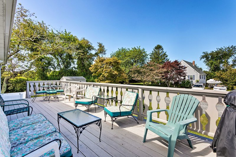 Soak up the sunshine from this charming vacation rental apartment!