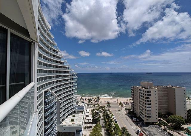 Balcony: Views of the ocean and beach strip
