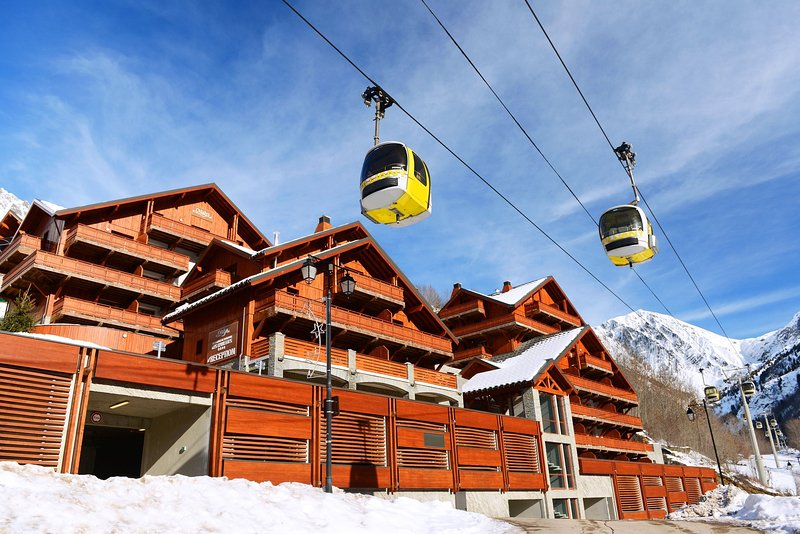 Take advantage of the convenient slopeside location!
