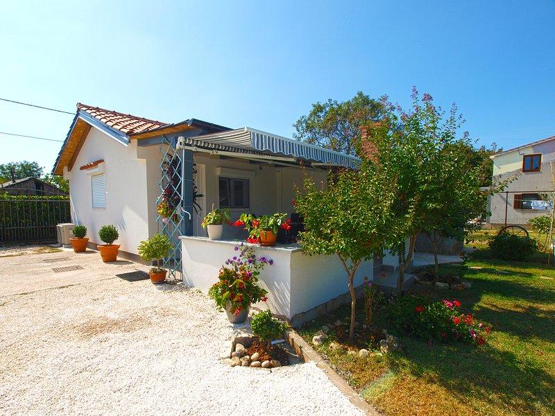 House 21520, holiday rental in Skatari