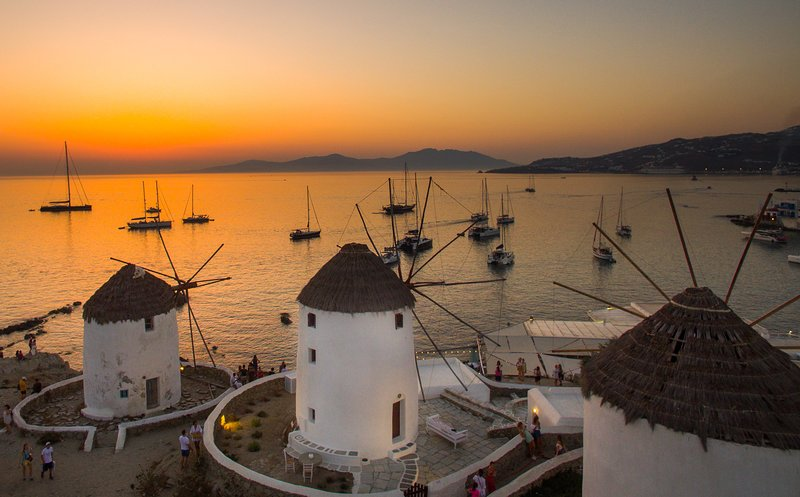 The Iconic Windmill of Mykonos, vacation rental in Aggelika