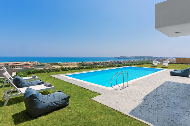 Kolympia Villa Sleeps 10 with Pool and Air Con - 5812953, holiday rental in Kolympia