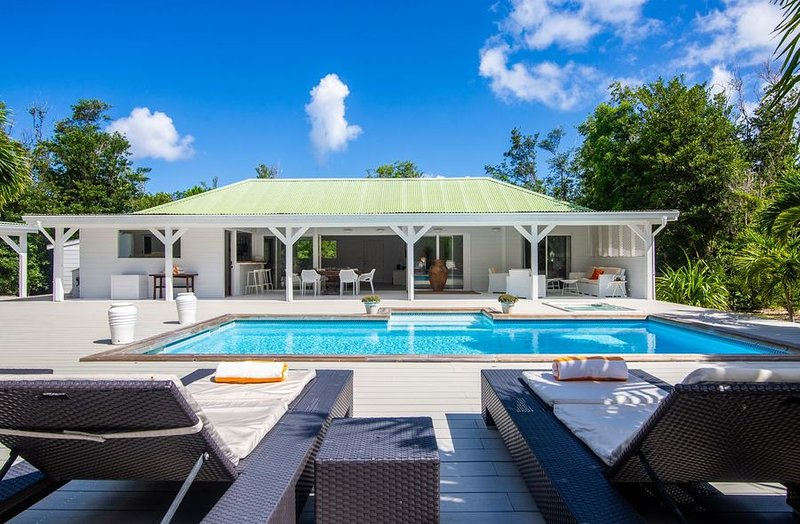 MONCHAL... 2+1 BR vacation rental in the French Lowlands, St Martin