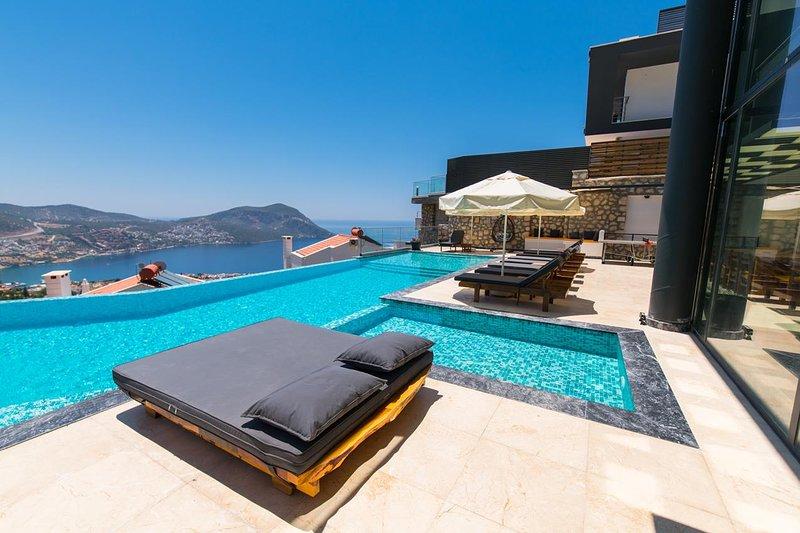 Luxury 6 Bedrooms Villa Unlimited 2, holiday rental in Kalkan
