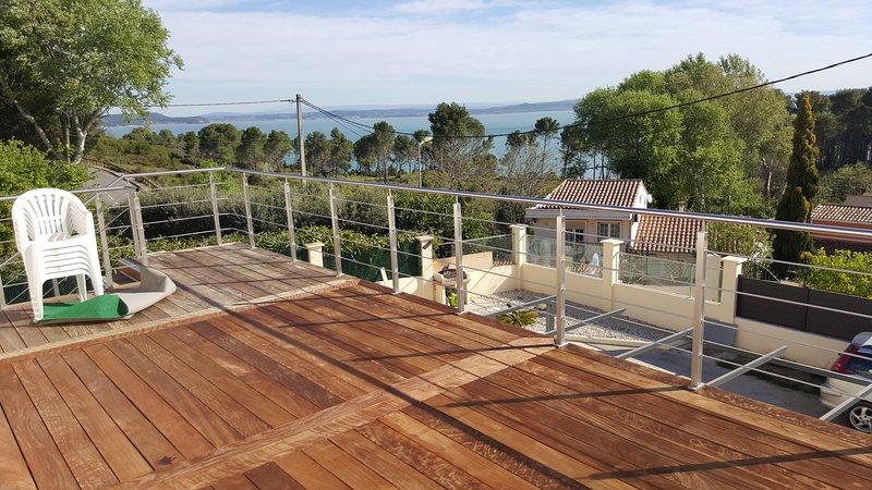 Beautiful apt with sea view & Wifi, vacation rental in Port-Saint-Louis-du-Rhone