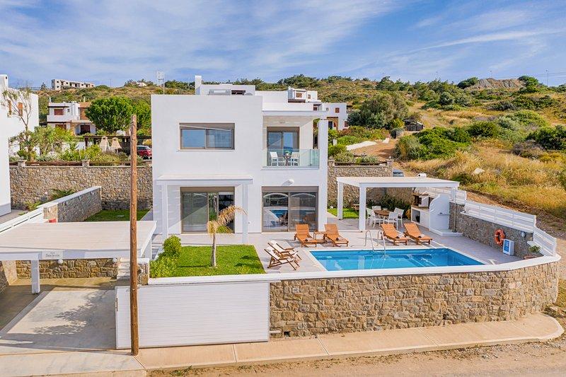 Kiotari Villa Sleeps 6 with Pool and Air Con - 5812956, holiday rental in Kiotari