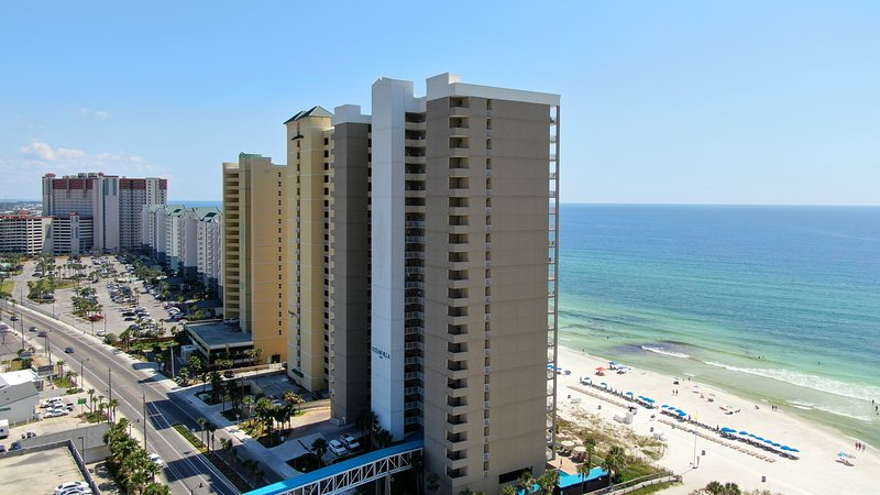 Luxury Ocean Front condo-Master on Gulf! Free Beach chairs. Million Dollar Views, holiday rental in Panama City Beach