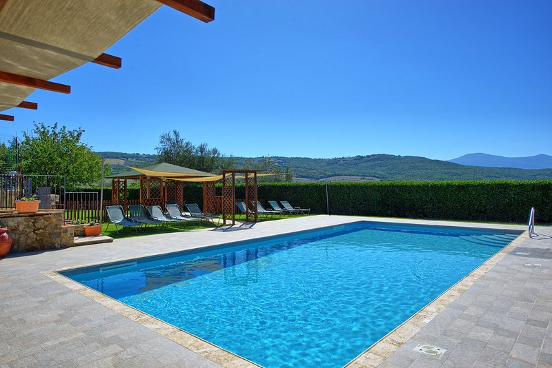 San Quirico d'Orcia Villa Sleeps 18 with Pool Air Con and WiFi - 5241934, vacation rental in Castelnuovo dell'Abate
