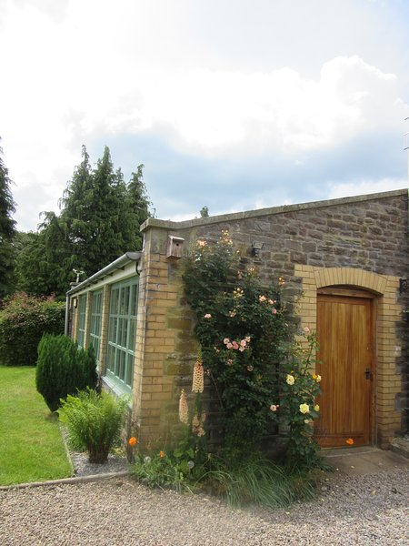 Self-Catering Tegfan Garden Suite, Black Mountains, Brecon Beacons National Park, vacation rental in Bronllys