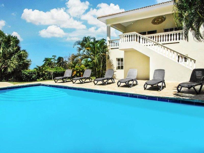 Sosua Bachelor Party 11 Bedrooms Villas Trio With Pools PRICE MATCH, casa vacanza a Sosua