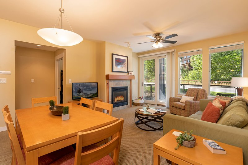Fraser Crossing 3131 is a bright, airy ground floor condo at the Winter Park Resort