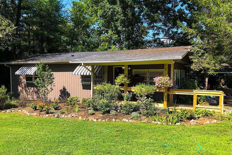 A peaceful getaway in the Blue Ridge Mountain area awaits at this hidden cottage