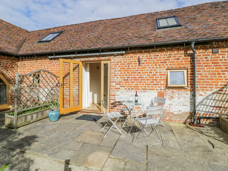 Manor Cottages 2, Harvington, holiday rental in Offenham