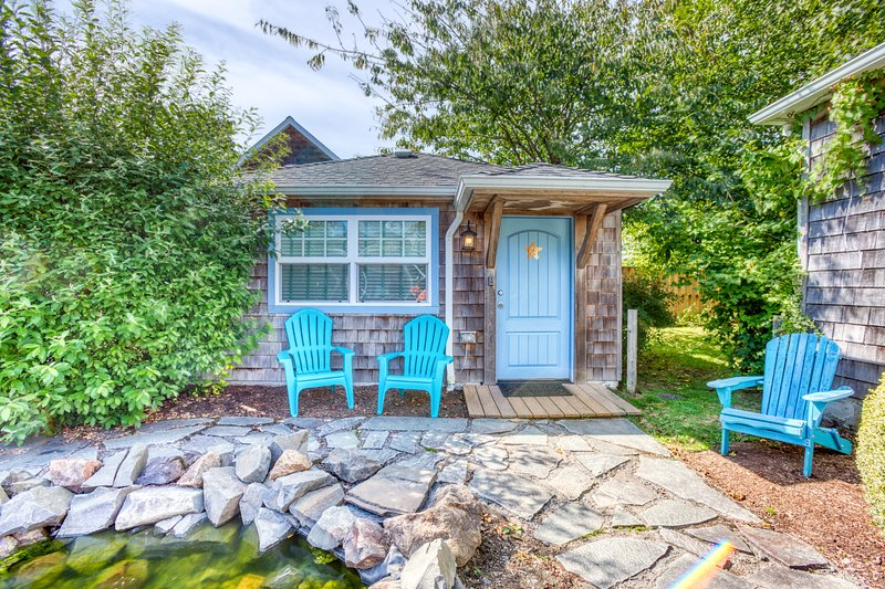 Adorable, airy, dog-friendly cottage close to beach & downtown!, location de vacances à Cannon Beach