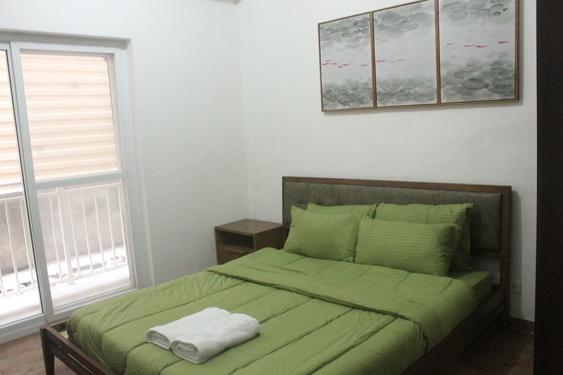 Cozy Studio Near Mactan Airport AA107, holiday rental in Liloan