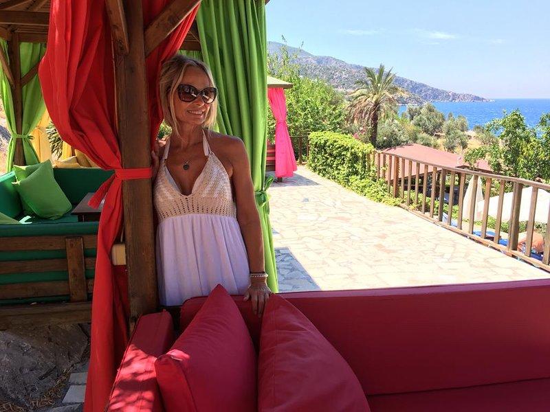 Manzarali guest Angie enjoying Palm Beach Club - 5 mins walk from Manzarali Apartment