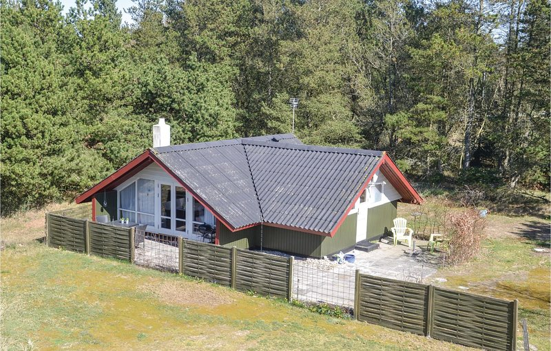 Stunning home in Oksbøl w/ 2 Bedrooms (A3196), holiday rental in Oksboel