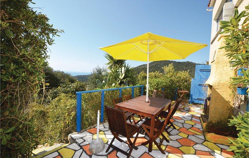 Amazing home in Serra di Ferro with 3 Bedrooms and WiFi (FKO272), alquiler vacacional en Serra-di-Ferro