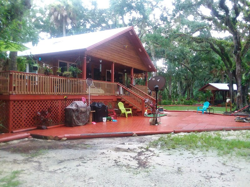 Cedar Vacation Home, holiday rental in Okeechobee