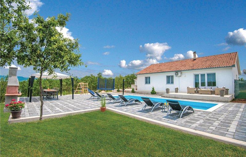 Stunning home in Vinjani Gornji with WiFi and 3 Bedrooms (CDF979), location de vacances à Posusje