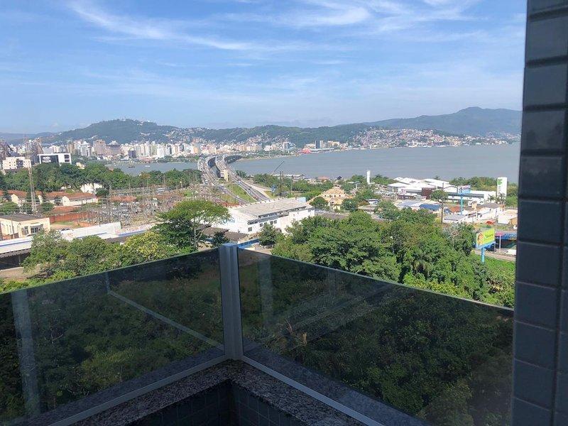Ap Floripa com Piscina e linda Vista #2, location de vacances à Sao Jose