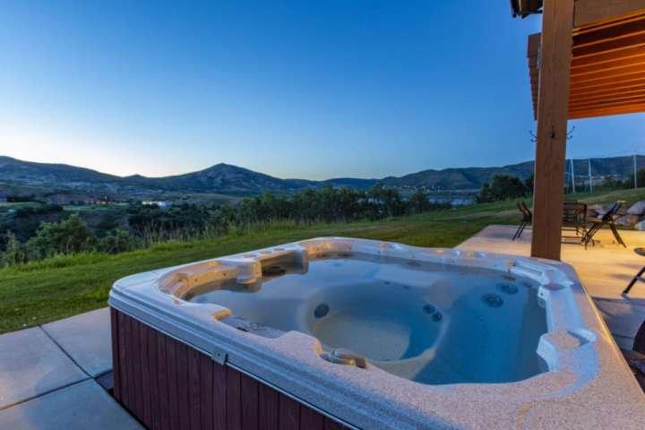 *Free Ski Rental* 2 Mins to DV Gondola,Private Hot Tub, Luxury Family Home–3 Mas, location de vacances à Midway