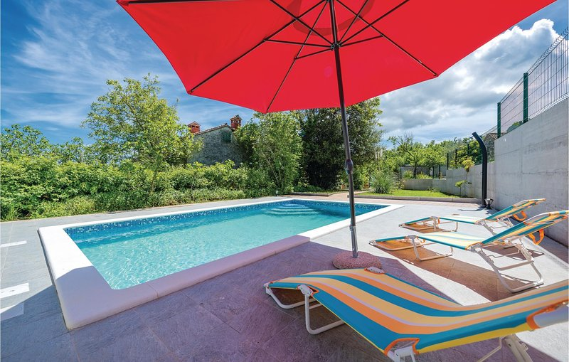 Awesome home in Labin with WiFi, 3 Bedrooms and Outdoor swimming pool (CIO206), holiday rental in Sveti Bartol