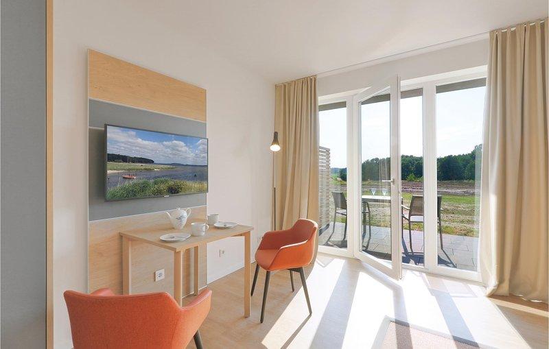 Stunning apartment in Puttbus/Rügen with WiFi (DMR528), casa vacanza a Lauterbach