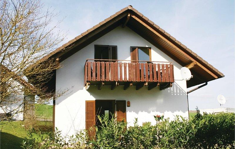 Amazing home in Kirchheim with 5 Bedrooms (DHE186), location de vacances à Neukirchen