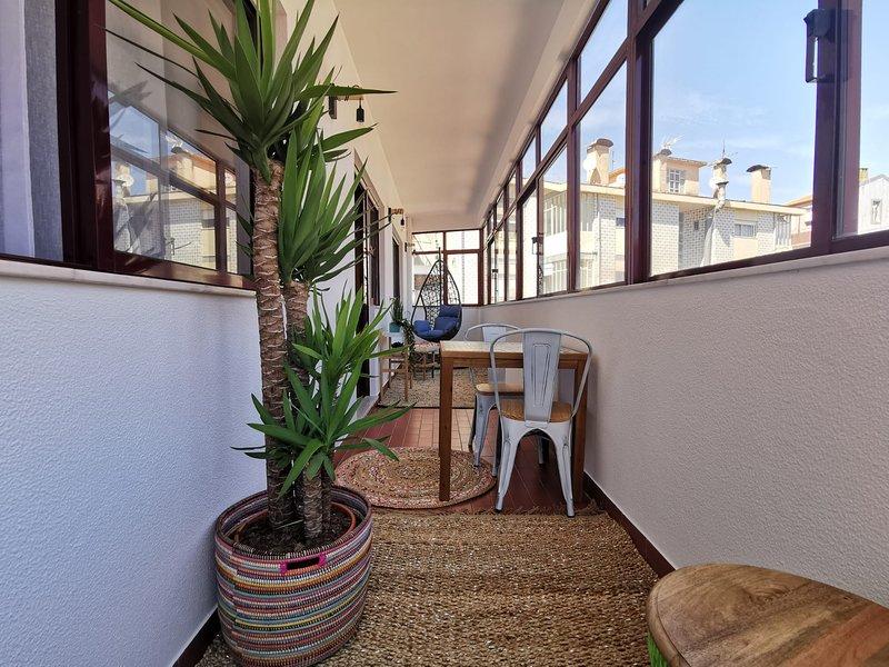 1BR flat with parking and sunroom in Porto, location de vacances à Porto