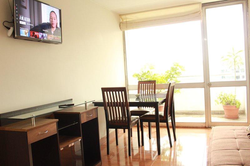 Departamento Buena Ubicación Equipado, holiday rental in Lince